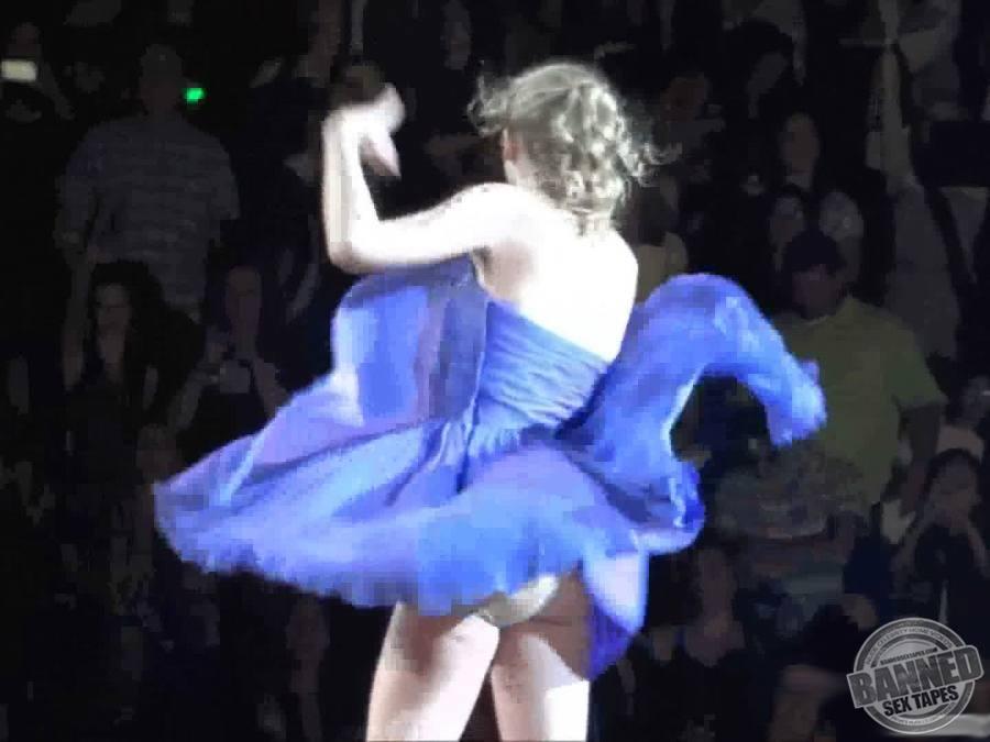 во время танца у девушки спала юбка хьюстон мортиция