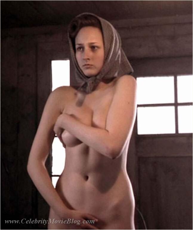 Leelee Sobieski - nude celebrity toons @ Sinful Comics Free Access!