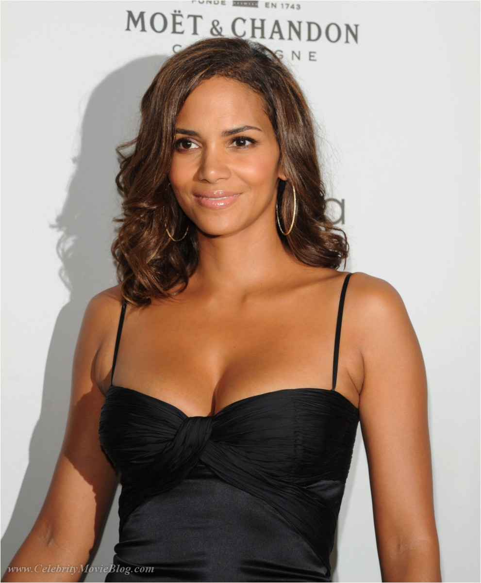 Halle Berry - nude celebrity toons @ Sinful Comics Free Access!